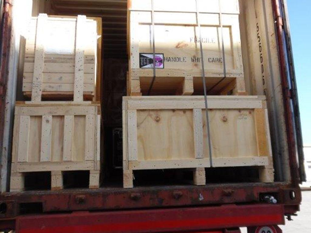 Carico container completo